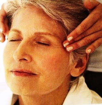 lady having Indian head shiatsu facial at our Cardiff clinic